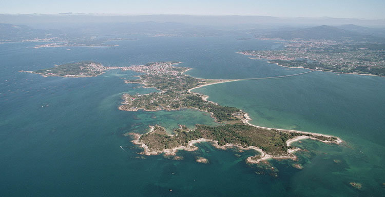 31/08/2011. A Illa. Vistas aéreas.
